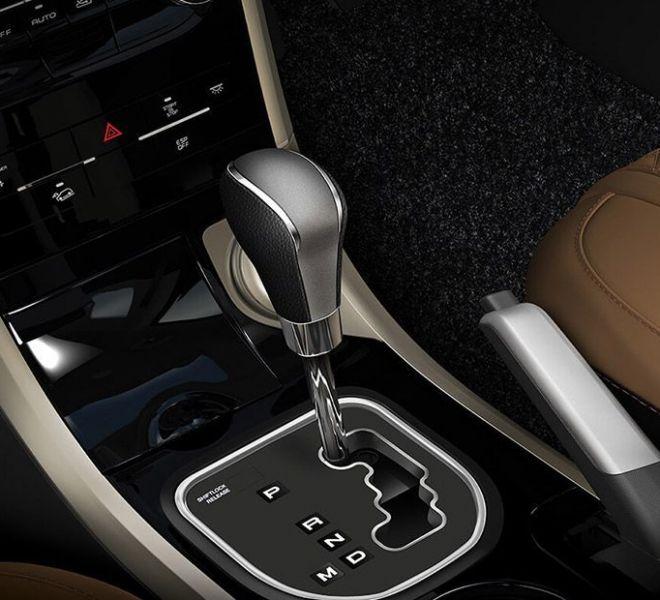 Automotive Mahindra XUV500 Interior-17