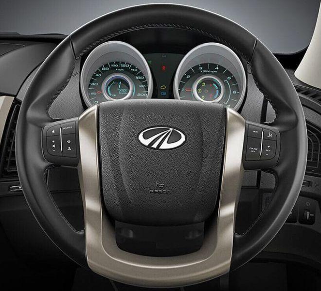 Automotive Mahindra XUV500 Interior-9
